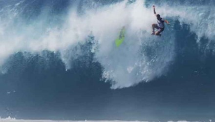 worst-wipouts-surf-pipeline-